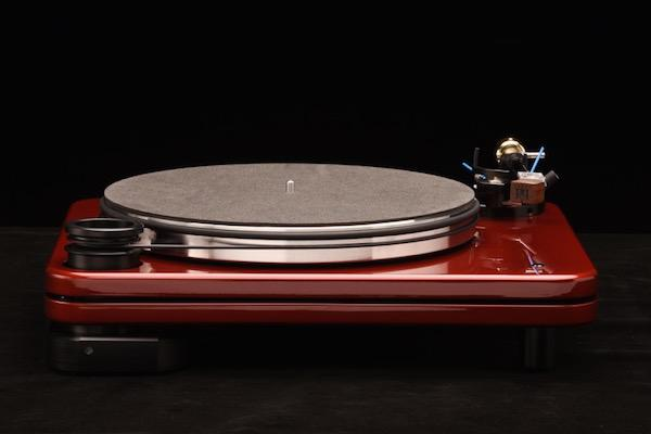 The Pear Audio Blue SE Turntable and Coronet 1 Tone Arm