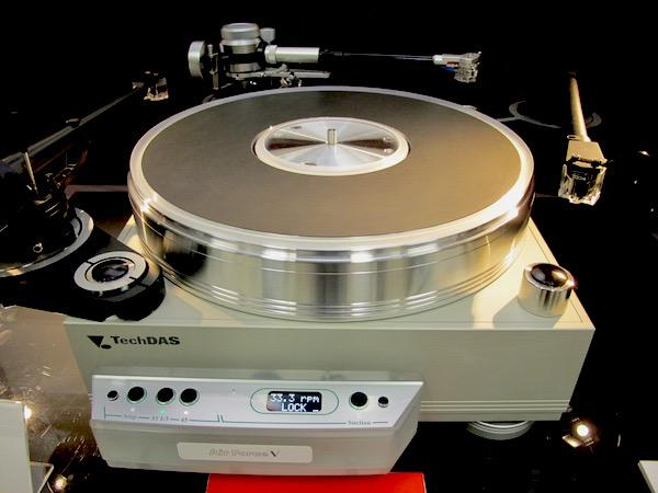 New TechDAS  Air Force V Turntable Debuts at Tokyo International Audio Show